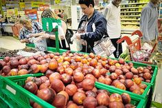 Instead of Pouring Bleach on Unsold Food, These Grocers Have to Give It to Charity | TakePart