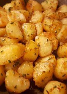 Serpenyős krumpli recept - 36 recept - Cookpad Hungarian Recipes, Italian Recipes, Shrimp Recipes Easy, Chicken Recipes, Buzzfeed Tasty, Dessert Cake Recipes, Cooking Recipes, Healthy Recipes, Special Recipes
