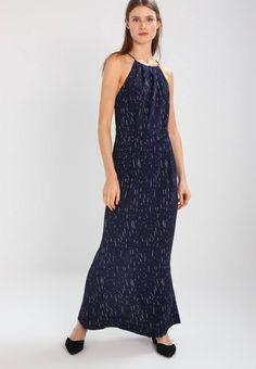 Samsøe & Samsøe. WILLOW - Fotsid kjole - etoile. Ermelengde:Spagettistropper. Lengde:lang. Totallengde:145 cm i størrelse S. Overmateriale:100% viskose. Mønster:print. fôr:100% polyester. Detaljer:Underkjole. Passform:innsvingt. Hals/utringning:u...