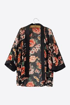Black Line Flowers Printed Kimono. Free 3-7 days expedited shipping to U.S. Free first class word wide shipping. Customer service: help@moooh.net