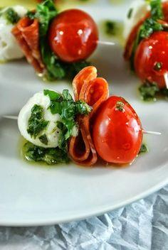 Pepperoni Caprese Bites with Basil Vinaigrette | Lui in Cucina