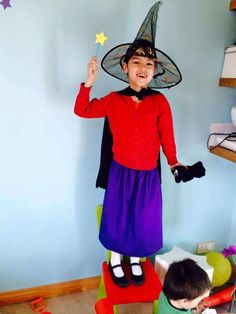 room on a broom costume These world book day costumes are fantastic for your child. Make a DIY world book day costume today. Costume and fancy dress ideas for kids World Book Day Characters, World Book Day Costumes, Book Costumes, Kid Character, Character Costumes, Diy Girls Costumes, Costume Ideas, World Book Day Ideas, Room On The Broom