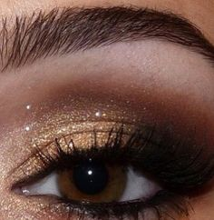 Sparkly wedding makeup is gorgeous for the fall!