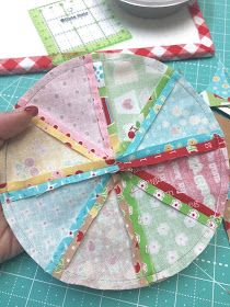 100 Brilliant Projects to Upcycle Leftover Fabric Scraps - Opprest Quilting Tips, Quilting Tutorials, Quilting Projects, Sewing Hacks, Sewing Crafts, Sewing Tips, Sewing Tutorials, Sewing Case, Sewing Ideas