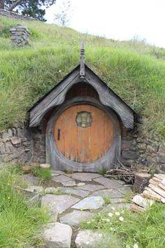 I want a hobbit door.