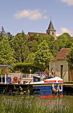Photo of the Week: Hotel Barge Renaissance moored in Burgundy