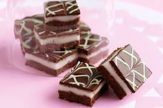 Indulgent chocolate peppermint slices that everyone will love - your challenge is not to devour them all at once! Baking Recipes, Cake Recipes, Snack Recipes, Dessert Recipes, Xmas Recipes, Just Desserts, Delicious Desserts, Yummy Food, Tasty