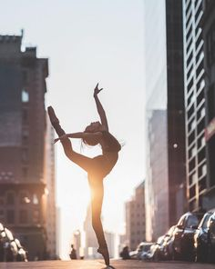 Beautiful Ballet Dancers Portraits in New York City Streets – Fubiz Media