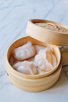 Har Gow, Dim Sum Shrimp Dumpling, 虾饺 by thewoksoflife.com