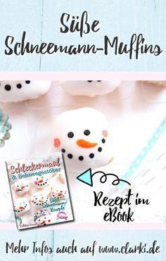 Dieses Rezept und viele weitere Rezepte findest du in dem neuen eBook: Schleckermaul und Schneegestöber - Süße Schneemann-Rezepte, erschienen im BOD-Verlag von der Kreativ-Autorin Kathleen Lassak.  In dem Buch dreht sich alles um die Themen Schneemann, Backen, Dessert und Co.  #schnee #winter #weihnachten #kochen #backen #affiliate #buch #ebook #kinder #kinderbacken #basteln #clarkidiy Cake Toppers, Bakery, Snoopy, Diy, Christmas Cooking, Winter Christmas, Melted Snowman, Cute Snowman, Craft Instructions For Kids