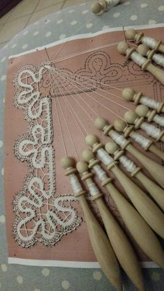 Bobbin Lace Patterns, Lacemaking, Hair Accessories, Knitting, My Love, How To Make, Couture, Bobbin Lace, Needlepoint