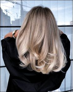 Blonde Balayage Highlights zum Ausprobieren in 2019 - Hair Color Blonde Balayage Highlights zum Ausprobieren in 2019 - Hair Color - Balayage Hair Approach Balayage Hair Color Ideas for Brunettes in Blonde Balayage Highlights, Hair Color Balayage, Blonde Color, Blonde Balyage, Blonde Hair Lowlights, Dark Blonde Hair With Highlights, Balayage Hairstyle, Honey Balayage, Blonde Hair Looks
