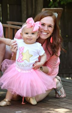 A super sweet Twinkle Twinkle Little Star first birthday party | via @sandroni