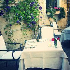 Edith genießt! Rezepte für's Leben ...: Reiseblog: Geburtstagsessen im Landhaus Bacher in ... Restaurant, Table Decorations, Furniture, Home Decor, Farmhouse, Life, Decoration Home