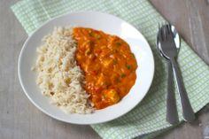 Romige kip (quorn) goulash met rijst, tomatenblokjes, paprika, room