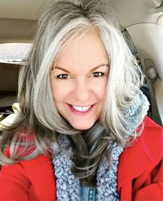 3 Ways to Wear Gray Hair Over 40 – long bob hair – - Weißes Haar Grey Hair Over 50, Black And Grey Hair, Long Gray Hair, Silver Grey Hair, White Hair, Over 40 Hairstyles, Long Bob Hairstyles, Scene Hairstyles, Gray Hair Growing Out