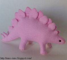 Pink stegosaurus in felt - pattern and tutorial - so cute!