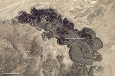 Mud Springs Volcano, part of the Aurora-Bodie Volcanic Field in western Nevada, produced distinctive thick and bulbous lava flows. Lava Flow, Image Of The Day, Rock Formations, Volcanoes, Geology, Nevada, Mud, Vintage World Maps, Landscape
