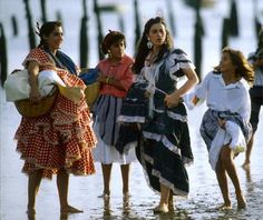 Spanish gypsies are collected on the banks of the Guadalquivir. 1990. Photo: Julio Donoso.