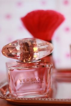 - Hi Dee I hope you are enjoying your week so far. I have chosen this Versace perfume for you.I hope you like it xx Perfume Tray, Perfume Scents, Fragrance Parfum, Perfume Oils, Perfume Bottles, Parfum Chic, Creed Perfume, Versace Perfume, Versace Pink