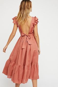 Endless Summer Takin A Chance Midi Dress Details Style No. Color Code: 010 In a linen-cotton blend this midi dress features a low open bac Look Fashion, Fashion Outfits, Fashion Trends, Womens Fashion, Emo Outfits, Fashion Spring, Dress Fashion, Fashion Clothes, Fashion Boots