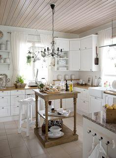 Aurora Cocinas Kitchen, Wooden Signs, Backsplash, Aurora, Farmhouse Kitchens, Rustic, Cabinet, Decoration, Design