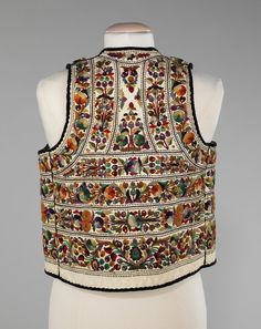 Hungarian Embroidery Vest Date: fourth quarter century Culture: Hungarian Medium: leather, wool, cotton - Hungarian Embroidery, Learn Embroidery, Polish Embroidery, Historical Costume, Historical Clothing, Men's Waistcoat, Bohemian Blouses, Ethnic Dress, Costume Institute