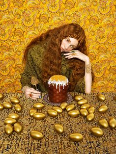 Yakovlev & Aleeva is a photography and artistic direction studio of Moscow. On the occasion of Russian Easter, they imagined this series of colored photos, which stages the typical ingredients of the Russian culture for this holiday.