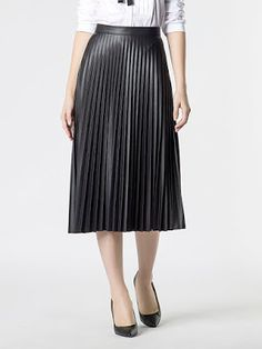 Confessions on a Fashion Floor: MUST HAVE DI STAGIONE: GONNE PLISSE' Pleated Midi Skirt, New York, Skirts, New York City, Skirt, Nyc, Gowns, Skirt Outfits