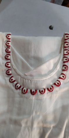 Chudithar Neck Designs, Salwar Neck Designs, Saree Blouse Neck Designs, Kurta Neck Design, Neck Designs For Suits, Sleeves Designs For Dresses, Neckline Designs, Dress Neck Designs, New Dress Design Indian