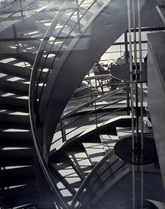 László Moholy-Nagy : Stairway in the Bexhill Seaside Pavillion  1936