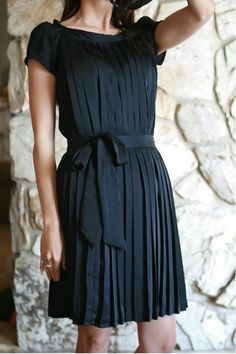 black pleated dress #diy