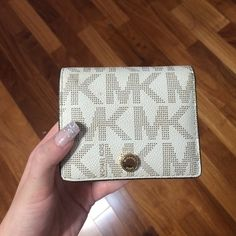 REAL MICHAEL KORS WALLET. GOOD CONDITION Used. Good condition. MICHAEL Michael Kors Bags Wallets