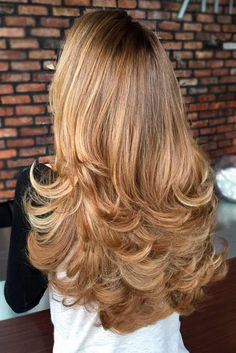 Chic Layered Haircuts for Long Hair ★ See more: http://lovehairstyles.com/layered-haircuts-for-long-hair/