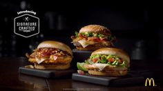 You bring your flavor to the world. We bring ours to you. Discover the zesty, savory, and sweet tastes that make up McDonald's Signature Crafted Recipes. Try them today at participating McDonald's for a limited time. Smoked Burgers, Big Burgers, Slider Recipes, Wrap Recipes, Healthy Cooking, Cooking Recipes, Good Food, Yummy Food, Food Gallery