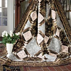 Manor House: Elegant Classic Pieced Bed Quilt Pattern  Designed and Machine Quilted by TOBY LISCHKO