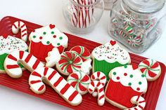 100 Ideias de biscoitos decorados para o natal Christmas Sweets, Christmas Deco, Christmas Baking, Christmas Ornaments, No Bake Cookies, Holiday Cookies, Funny Cupcakes, Days Until Christmas, Candy Cane