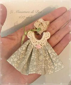 1/12 vestido de niña y percha miniatura - casa de munecas - hecho a mano - shabby chic