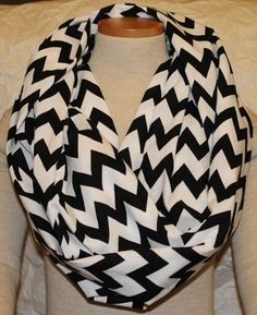 Chevron print...so lovely! Anybody finds me one of these, not really particular of color feel free to buy me one!!