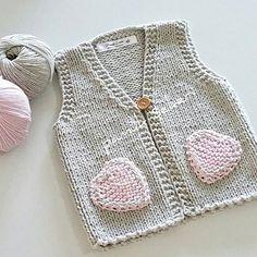 Hayırlı günler arkadaşlar.  Prensesin yeleği de bitti. ⛅⛅⛅⛅⛅⛅⛅⛅ @elvanaydintan #popcorn #motif #şapka #bere #bebekhirkasi #ayiciklibattaniye #kirlent #bebekpatiği #yarnartjeans #deryabaykal #crochet #handmade #babyblanket #knitting #bebekbattaniyeleri #siparişalinir #dizüstübattaniye #koltuksali