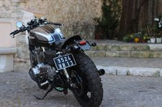 Suzuki By 21 Grammes Motorcycles Suzuki Cafe Racer, Cafe Racer Build, Cafe Racers, Classic Car Insurance, Cafe Racer Motorcycle, Bobber, Motorcycles, 21st, Bike