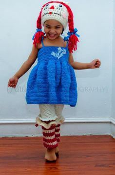 Crocheting : Raggedy complete dress set. Oh my goodness!!! This is about the cutest set I have seen. What a wonderful design Kudos to the designer!