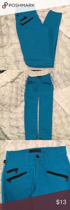 Rock&Republic Blue skinny jeans!💙 Worn few times! In great condition! Rock & Republic Jeans Skinny