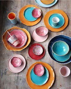 [New] The 10 All-Time Best Home Decor (Right Now) - Ideas by Mary Weeks - Fabulous Contemporary Warm Tone Handmade Ceramics by Hello my lovely tribe! Have a look at these amazingly out of the box gorgeous warm & earthy tone handmade ceramics. Ceramic Tableware, Ceramic Pottery, Ceramic Painting, Ceramic Artists, Design Plat, Cerámica Ideas, Keramik Design, Paperclay, Decoration Design