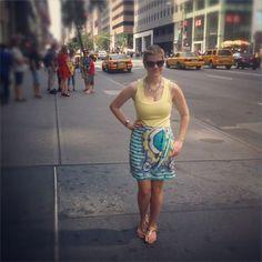 Saia lenço #FernandaSollito internacional: Manu Carvalho, do Blog Vitrine em NYC :)  #printedskirt #scarfprint