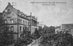 Szpital wojskowy - wcześniej szkoła - dziś też szkoła. Ul. Teatralna.