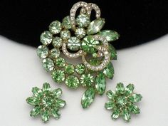 Gorgeous Vintage Signed WEISS Peridot Rhinestone Brooch Pin Earring SET Icing
