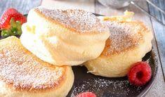 Japanese Souffle Pancake Recipe, Japanese Pancake, Japanese Fluffy Pancakes, Souffle Pancakes, Pancakes Easy, Sweet Recipes, Cake Recipes, Dessert Recipes, Souffle Recipes Easy