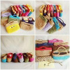 平内春フェス『よごしやマーケット』にてチャリティー販売する『ポケットティッシュ専用バッグ』『眼鏡ケース専用バッグ(用途は自由!)』全貌です 思いつきで一気に編みました❗ #crochet #crocheting #handmade #プラネットグリーン #編み小物 #かぎ針編み #ティッシュケース #ダイソー #ペーパーヤーン #かぎ針編みバッグ #よごしやマーケット