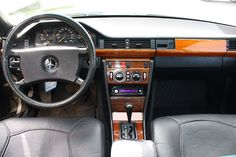 Mercedes Benz 230E interior Dashboard